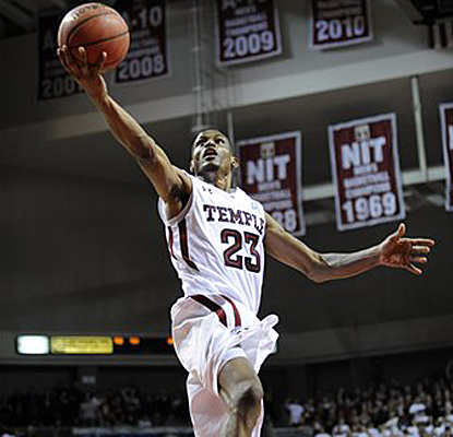 Temple's Ramone Moore drives to the basket as he works his way toward his career-high 30 points against Georgetown. (AP)