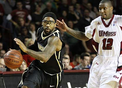 Bad-ankle Marcus Jordan begs his way into the game and helps UCF avoid a letdown in its first game since cracking the Top 25. (AP)