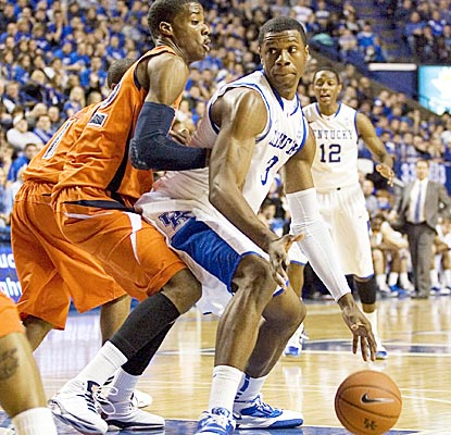 Terrence Jones breaks the freshman scoring record of 32 points set last month by teammate Doron Lamb. (US Presswire)