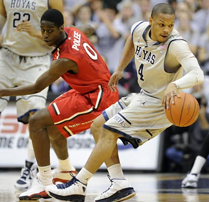 Chris Wright and Georgetown get away from St. John's to the tune of a 25-point win in snowy D.C.  (US Presswire)