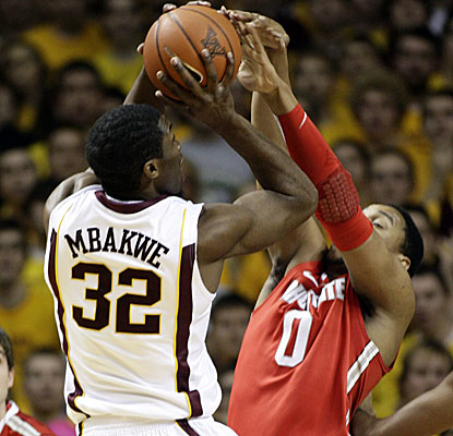 No. 1 Ohio State's defense clamps down on 18th-ranked Minnesota on Sunday. (AP)
