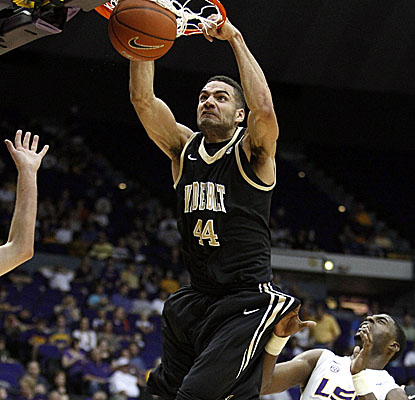 Vanderbilt forward Jeffery Taylor dunks on LSU as the Commodores cruise to victory Saturday. (AP)