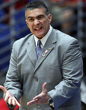 Sources say Frank Martin would be willing to move back home to Miami if the 'Canes get serious about hoops. (Getty Images)