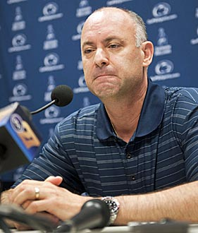 Ed DeChellis found what others had before: it's tough to build a hoops winner at Penn State. (AP)
