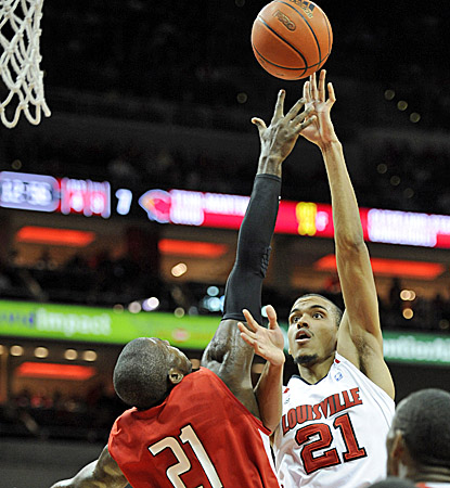 Jared Swopshire scores 13 points to contribute to a balanced offensive attack for No. 9 Louisville. (US Presswire)