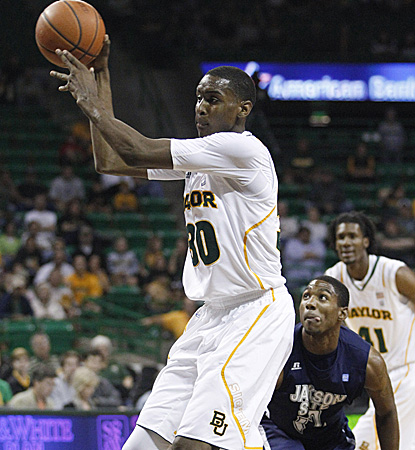 Quincy Miller leads the 2-0 Bears in scoring for the second consecutive game with 17 points. (AP)