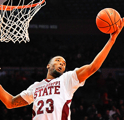 Mississippi State's Arnett Moultrie dominates No. 15 Arizona for 19 points and 10 rebounds. (Getty Images)