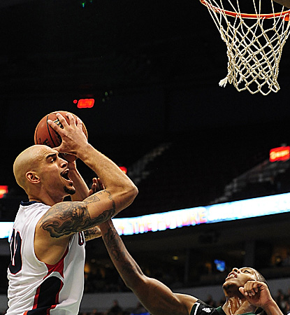 Robert Sacre keys the Gonzaga rout with a double-double (16 points, 10 boards). (US Presswire)