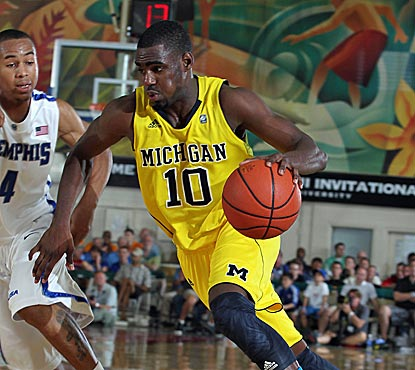 Tim Hardaway Jr. leads Michigan with 21 points against Memphis as the Wolverines continue their hot start to the season. (US Presswire)