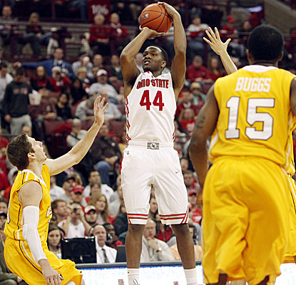William Buford scores 17 of his game-high 25 points as Ohio State rolls past Valparaiso. (AP)