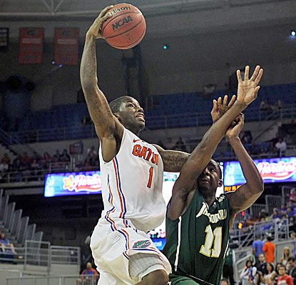 Florida guard Kenny Boynton attacks the basket in the second half against Jacksonville. (US Presswire)