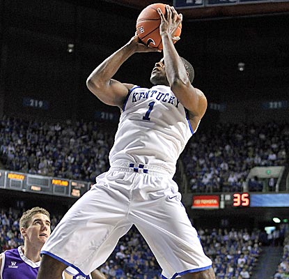 Kentucky's Darius Miller, who could rejoin the starting lineup soon, scores 19 points vs. Portland. (Getty Images)