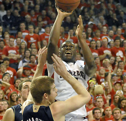 Gary Bell Jr. and the Zags improve to 5-0 after taking down the Irish by 20 points. (AP)