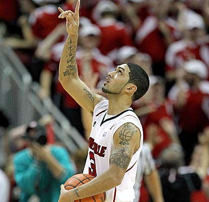 Peyton Siva scores the game-winning layup in No. 6 Louisville's OT win over Vandy.  (Getty Images)