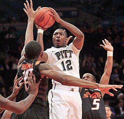 Ashton Gibbs is clutch late, hitting three big free throws as Pitt holds off Oklahoma State. (AP)