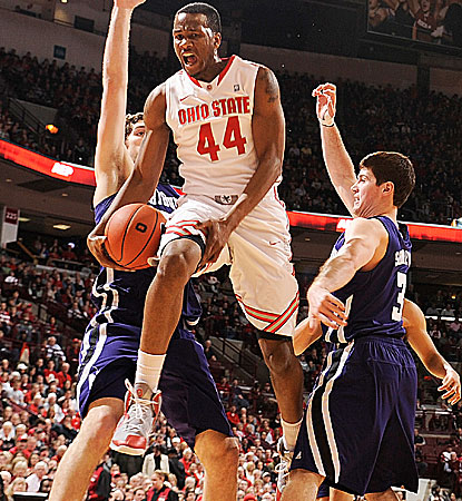 William Buford goes for a career-high 28 points, including five 3s, in Ohio State's win over Northwestern. (Getty Images)