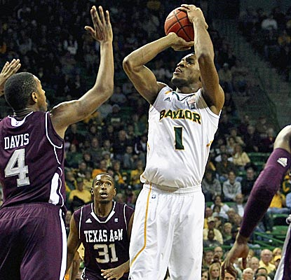 Perry Jones III has a double-double, 14 points and 12 boards, as Baylor wins its 14th straight game. (US Presswire)