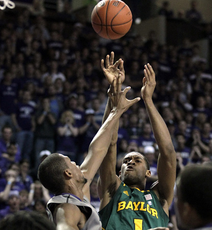Perry Jones leads Baylor with 17 points in a nail-biter on the road against No. 18 K-State. (AP)