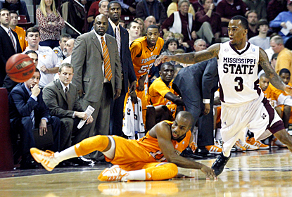 Dee Bost steals the ball from the Vols' Trae Golden to seal the win for Mississippi State. (AP)