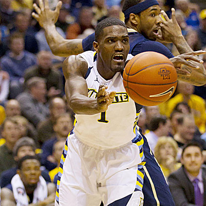 Darius Johnson-Odom scores a team-high 18 points in Marquette's second straight Big East victory.  (US Presswire)