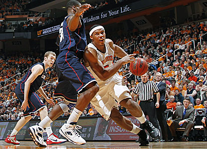 Jarnell Stokes posts team-highs in points (16) and rebounds (12) in his first start for Tennessee. (Getty Images)