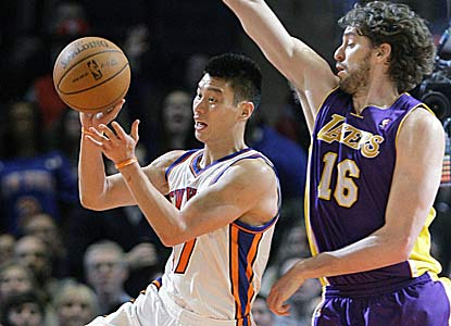 Jeremy Lin scores a career-high 38 points -- the most by a Knicks player this season -- to help N.Y. end a 9-game skid vs. L.A. (AP)
