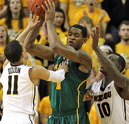Missouri makes up for its lack of size with a harassing defense that forces Perry Jones into 2-of-12 shooting.  (Getty Images)