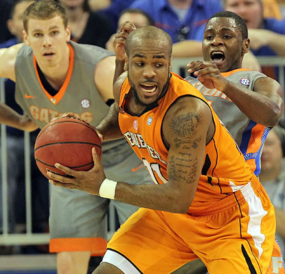 Trae Golden helps Tennessee make it a gray day for the Gators, scoring 17 points in the Vols' victory. (US Presswire)