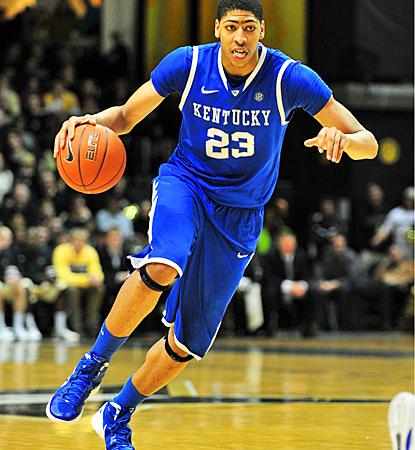 Anthony Davis guides Kentucky to victory over Vanderbilt, scoring 15 points with seven blocks. (US Presswire)