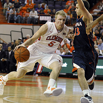 Tanner Smith ties a team-high with 13 points and collects four assists in Clemson's win over Virginia.  (AP)