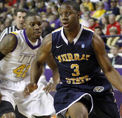 Murray State's Isaiah Canaan contributes 18 points for the Racers, one of only three D-I teams with just a single loss.  (AP)