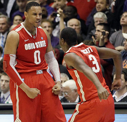 Jared Sullinger (0) helps Ohio State survive a blown lead by connecting on the winning shot with 3.1 seconds left. (AP)