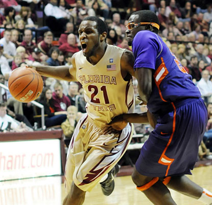 Michael Snaer helps Florida State deny Clemson's rally try with a career-high 23 points.  (US Presswire)
