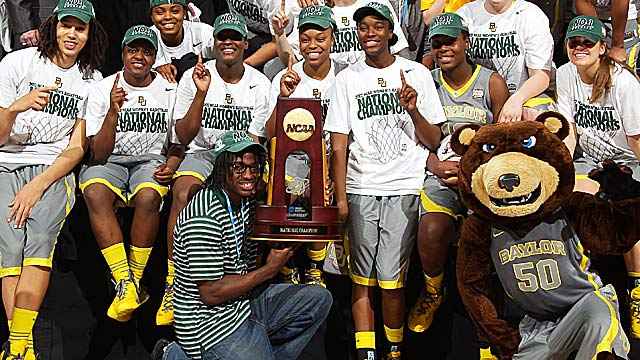Brittney Griner (left) and the Lady Bears went 40-0 en route to the national title last year. (Getty Images)