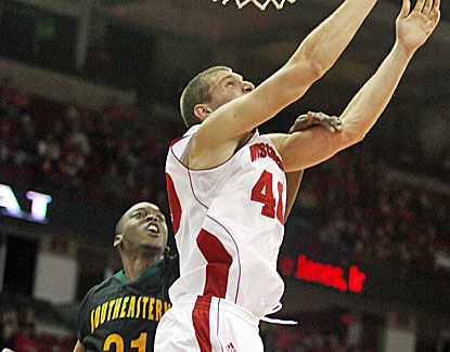 Jared Berggren leads the Badgers with 19 points on Sunday and Wisconsin scores the first 19 points in the game. (US Presswire)