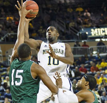 Tim Hardaway Jr. has his way with Cleveland State, scoring 17 points and collecting six rebounds for the Wolverines.  (US Presswire)