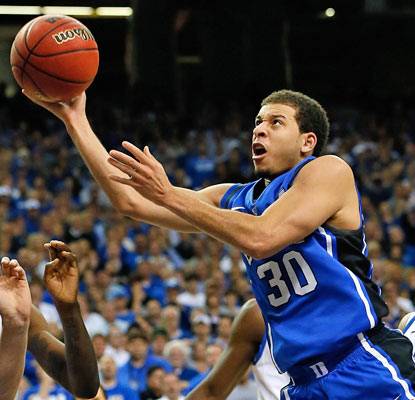 Seth Curry scores 23 points to lift Duke in its first game against Kentucky since 2001.  (Getty Images)