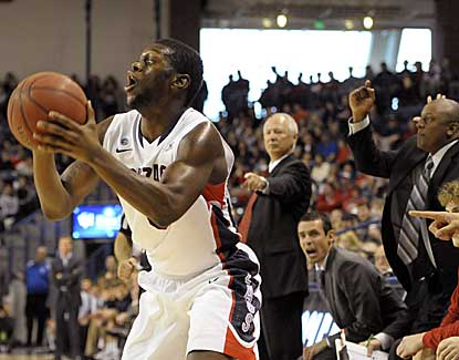 Gonzaga's Gary Bell Jr. gives a head fake Sunday in the Bulldogs' win over South Dakota. (AP)