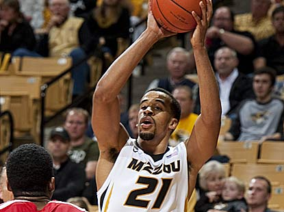 Laurence Bowers breaks out the best game of his career with 26 points for Mizzou, which overcomes a 10-point halftime deficit. (AP)