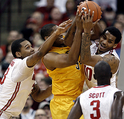 The No. 7 Buckeyes swarm Long Beach State, leading at one point Saturday by 42 points. (AP)