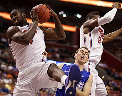 Florida's Patric Young goes up for one of his four rebounds against Air Force. Young also scored 13 points. (AP)