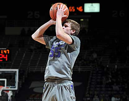 Kansas State's Will Spradling drains a jumper for 3 of his 11 points in a win over South Dakota. (US Presswire)