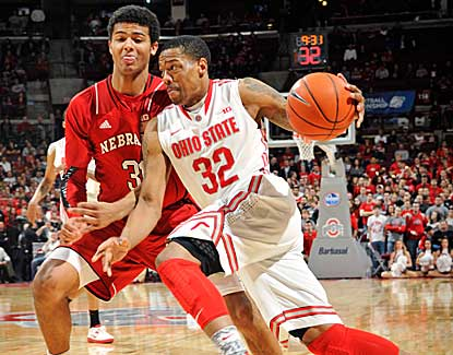 Lenzelle Smith scores 17 points for Ohio State in the Buckeyes' 70-44 win over Nebraska. (US Presswire)