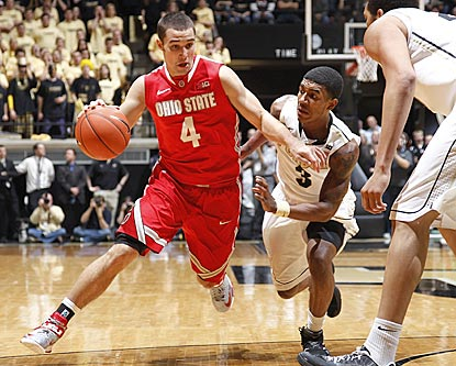Despite early foul trouble, Ohio State's Aaron Craft (left) winds up with 15 points on 6-of-7 shooting.  (Getty Images)
