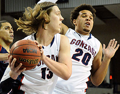 Kelly Olynyk scores 31 points in Gonzaga's win over Saint Mary's. The junior big man also grabs 8 rebounds. (US Presswire)