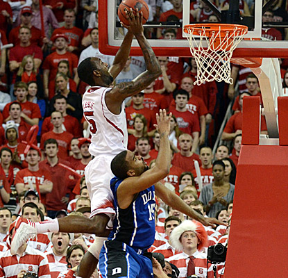 C.J. Leslie scores 25 points in a win that puts NC State back in contention for an ACC title. (US Presswire)