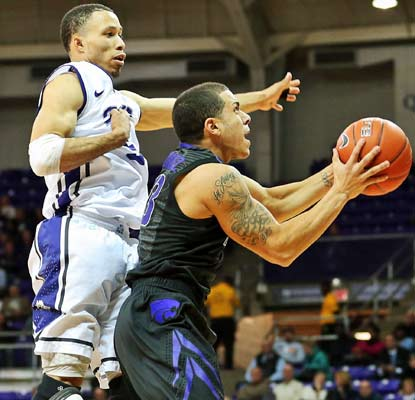 Angel Rodriguez and the Wildcats beat back TCU in Fort Worth for their seventh straight win.  (US Presswire)