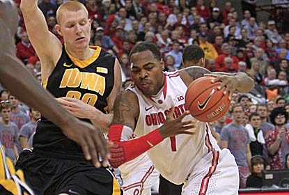Deshaun Thomas manages to score 16 points for the Buckeyes despite suffering a cut above his eye during the game. (AP)