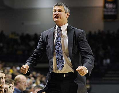 La Salle coach John Giannini's team has back-to-back wins over No. 9 Butler and No. 19 VCU. (AP)