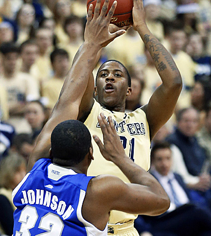 Lamar Patterson scores 12 points and grabs 10 rebounds as Pitt pulls away from Big East rival Seton Hall for the win. (AP)